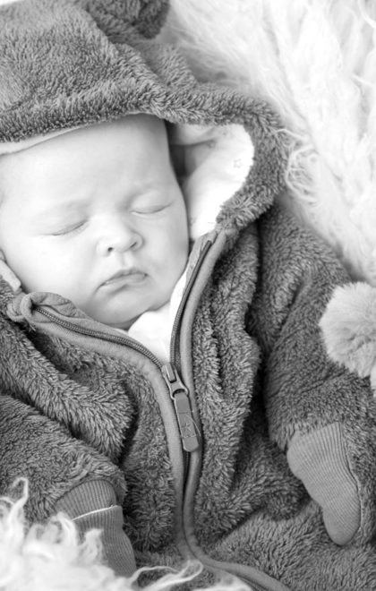 newborn sleeping-baby-pic